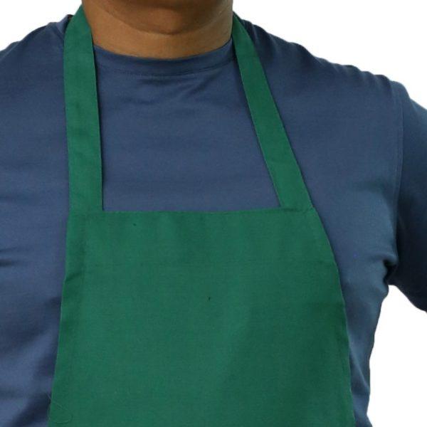 Kelly green apron's neck design